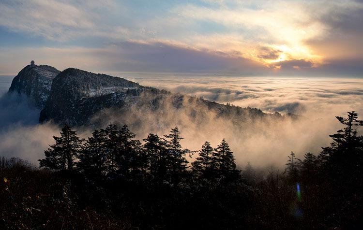极顶云涌――高路川摄影作品