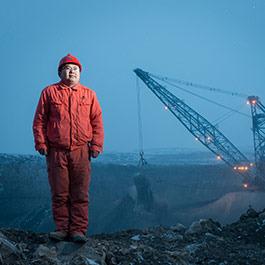 八个月打造《神华百名矿工肖像》