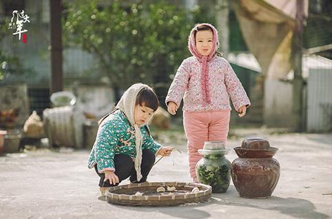 《欢欢喜喜过大年》 作者:腰果虾仁