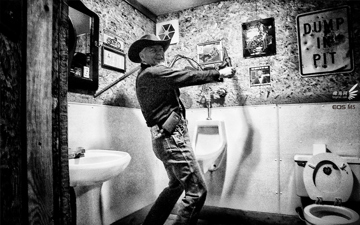 风趣的牛仔