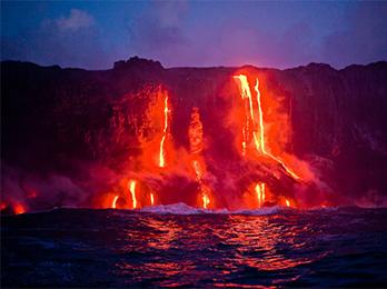 夏威夷的火山与大海