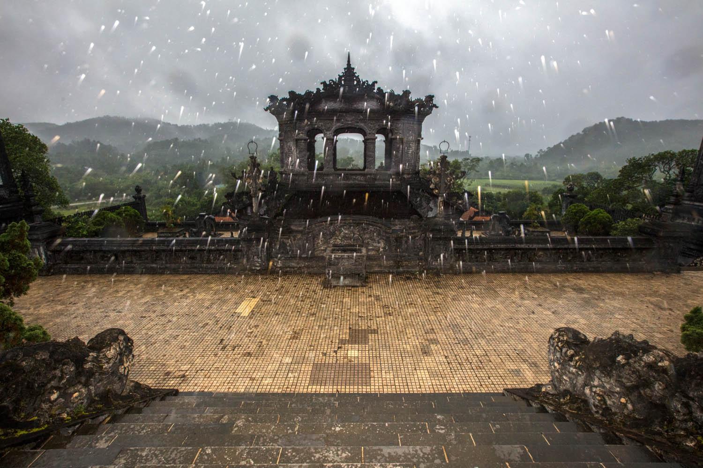 阮朝皇陵碑(顺化)-周梅生
